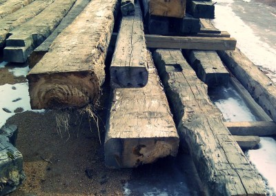 Raw strong reclaimed wood pieces